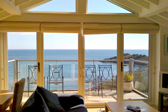 our cornish cottages in coverack and helford. Black Bedroom Furniture Sets. Home Design Ideas
